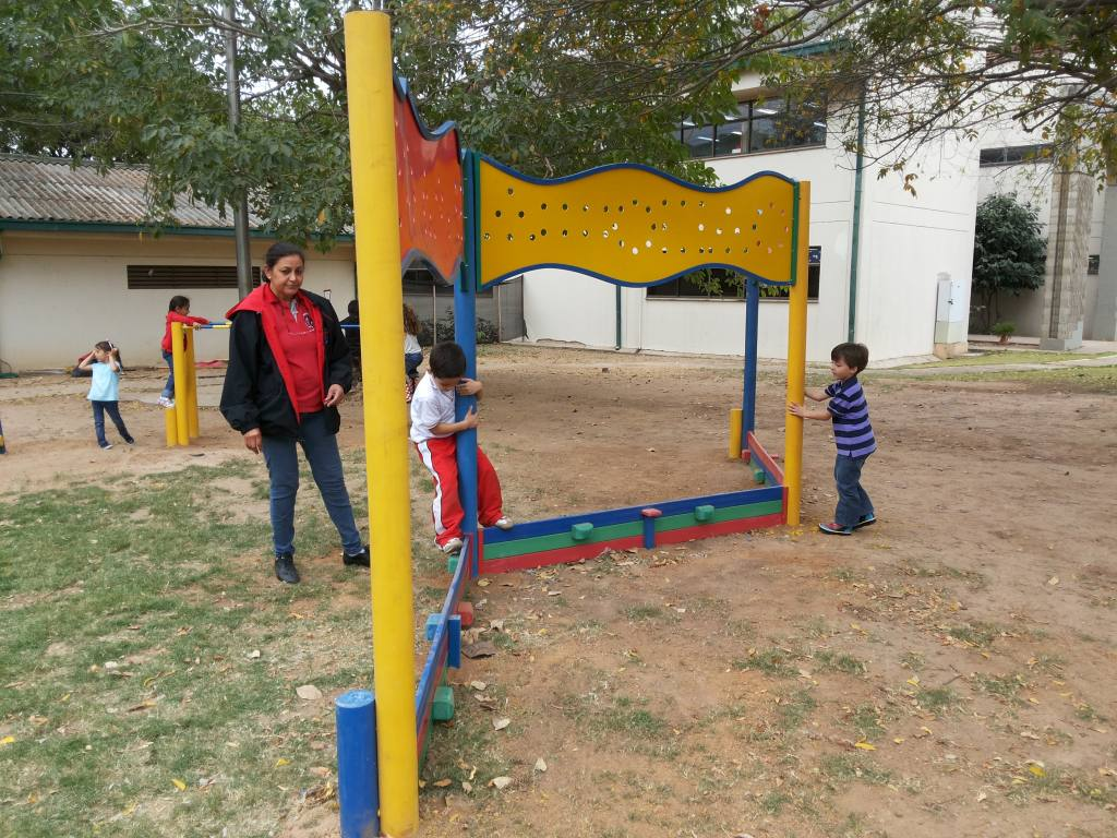 juego-infantil-plastico-para-aptitud-fisica