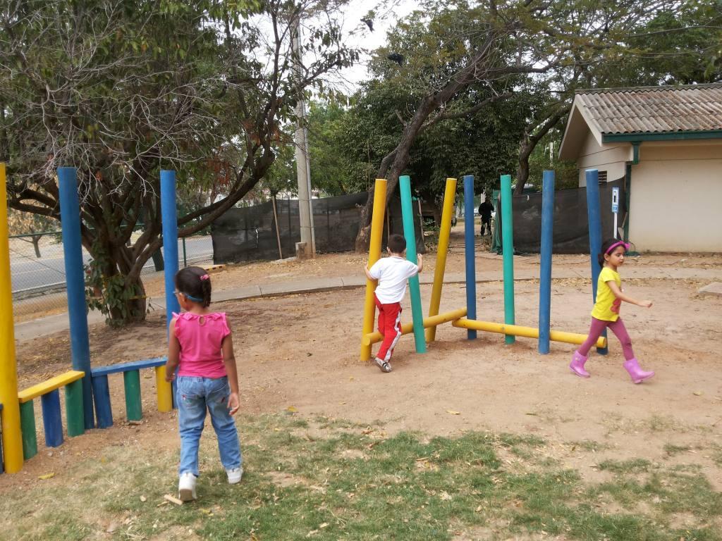 juego-infantil-plastico-para-aptitud-fisica3