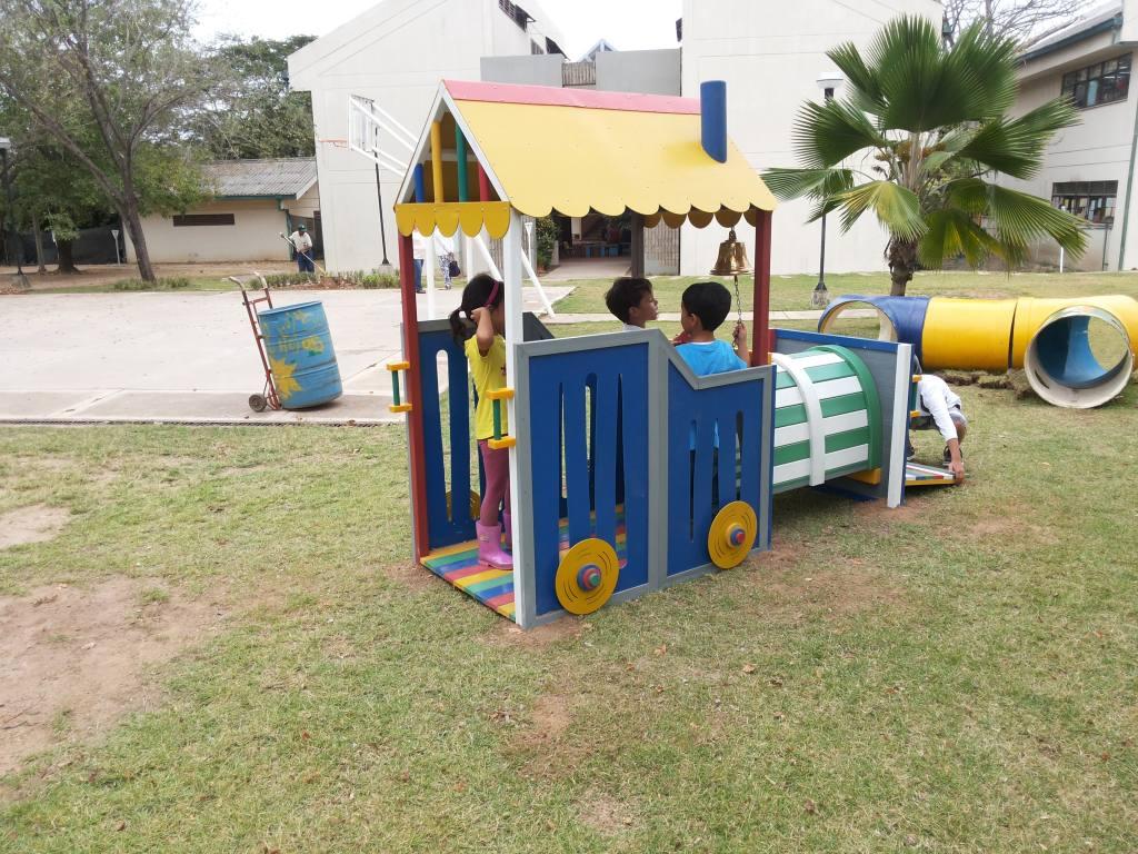 tren-plastico-infantil-interactivo3